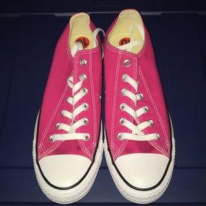 nwob converse sneakers